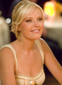 "Malin Åkerman as 'Tess Nichols' in ""27 Dresses"""