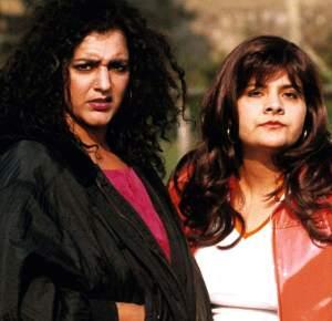 "Meera Syal and Nina Wadia a la ""Goodness Gracious Me"" (S1)"